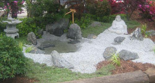 lato w ogrodzie, aran�acja oczka wodnego, ogro�d japo�ski, ro�liny do ogrodu, lipiec w ogrodzie kalendarz ogrodnika, ogrodnik-amator.pl