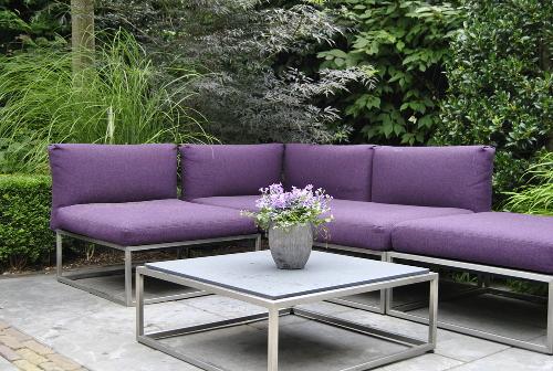 stoliki, stoły do ogrodu, mebele ogrodowe, metal, homebook, dodatki ogrodowe