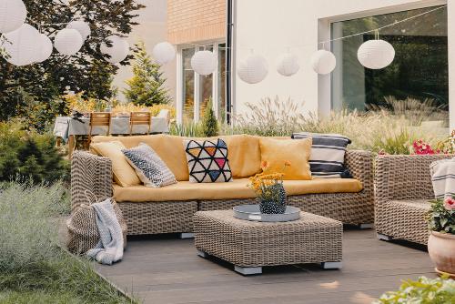 stoliki, stoły do ogrodu, mebele ogrodowe, technoratran, homebook, dodatki ogrodowe