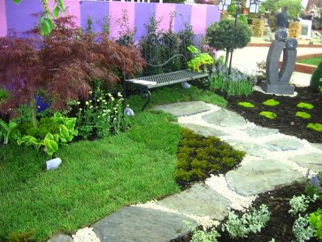 dodatki ogrodowe, ścieżka, kącik do siedzenia z ławką, galeria ogrodowa