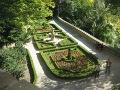 ogród w stylu francuskim, zdjęcia ogrodów, ogrody w tarasowe w Książu, taras wodny, dodatki ogrodowe,  rośliny ozdobne, aranżacje, ogród, urządzanie ogrodu, aranżacje z roślin, galeria ogrodowa